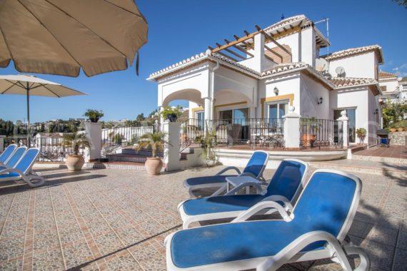 Luxury villa close to the sea for sale, Peñoncillo, Torrox Costa