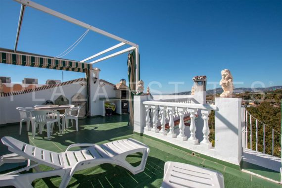 House with a great terrace for sale in Maro