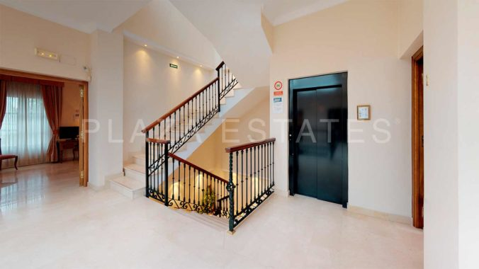 Casa-Jardin-Staircase